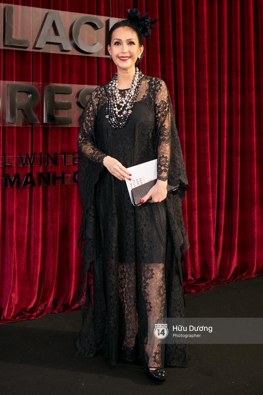 Ma nữ tóc hồng Angela Phương Trinh quá nổi bật, lấn át cả Hoa hậu Kỳ Duyên trên thảm đỏ - Ảnh 14.