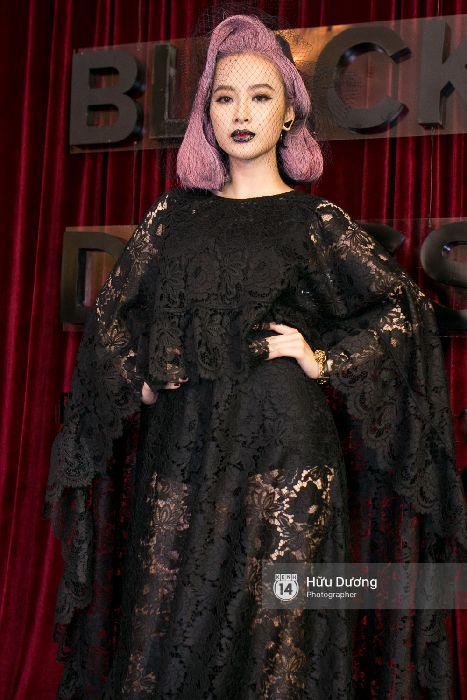 Ma nữ tóc hồng Angela Phương Trinh quá nổi bật, lấn át cả Hoa hậu Kỳ Duyên trên thảm đỏ - Ảnh 3.