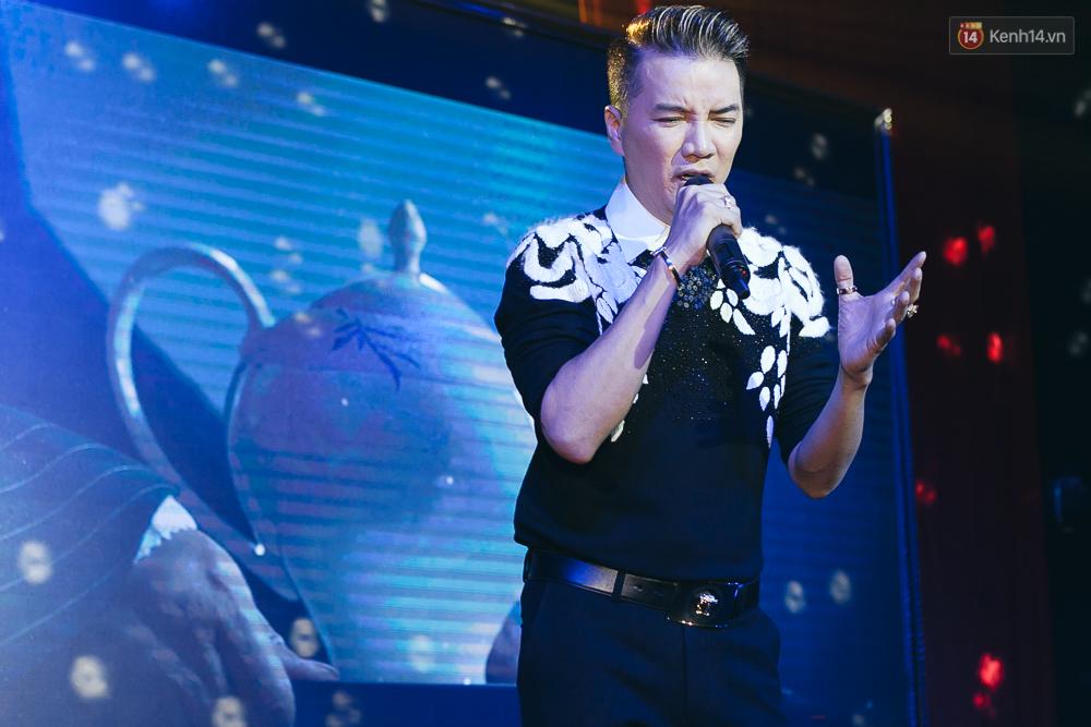 Đàm Vĩnh Hưng ra mắt MV đồng tính lấy nước mắt khán giả - Ảnh 4.