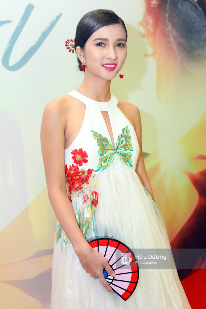 Minh Hằng xinh đẹp, khéo khoe vòng một gợi cảm khi ra mắt phim điện ảnh mới - Ảnh 23.