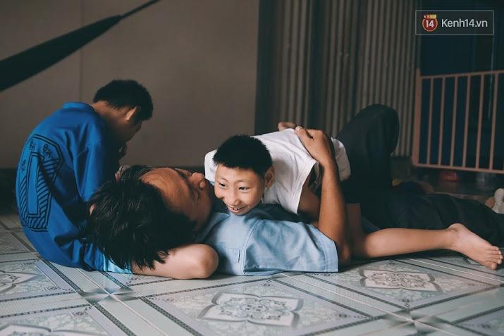 Đừng nóng, con ơi... - câu chuyện tình yêu của người cha đơn độc nuôi 2 đứa con bại não - Ảnh 20.