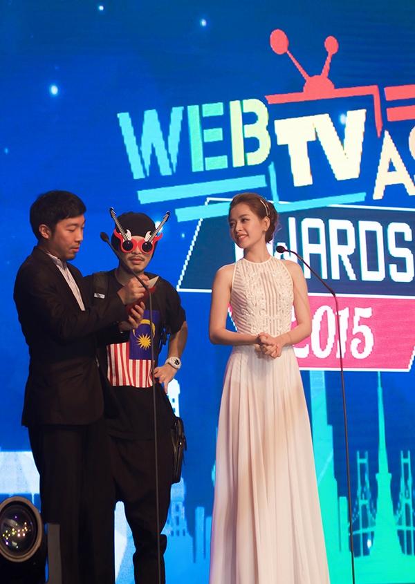 Chi Pu xuất hiện trong clip quảng bá cùng SNSD và hàng loạt ngôi sao châu Á - Ảnh 5.