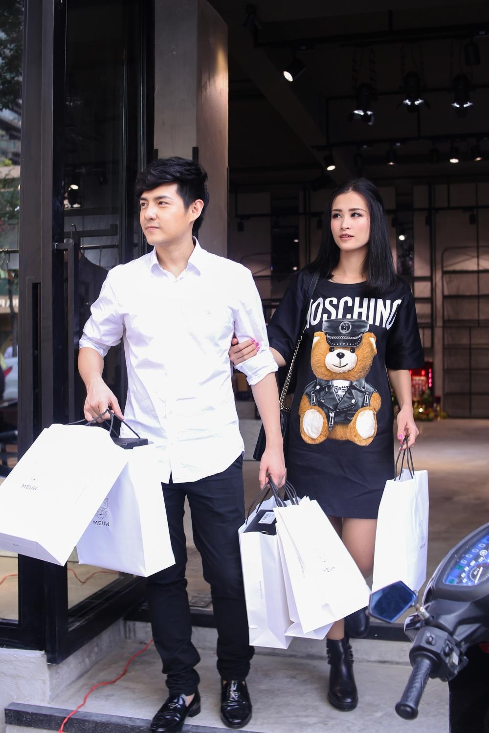 Bận rộn cho liveshow, Đông Nhi vẫn tranh thủ đưa Ông Cao Thắng đi mua sắm - Ảnh 9.