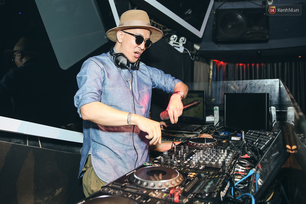 DJ SODA khoe body nóng bỏng,