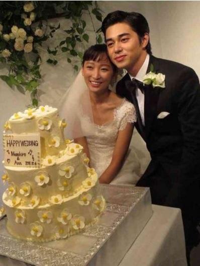 Vợ chồng Masahiro Higashide - Anne Watanabe chuẩn bị chào đón cặp song sinh - Ảnh 2.
