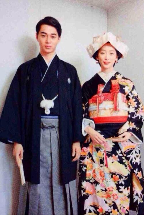 Vợ chồng Masahiro Higashide - Anne Watanabe chuẩn bị chào đón cặp song sinh - Ảnh 3.