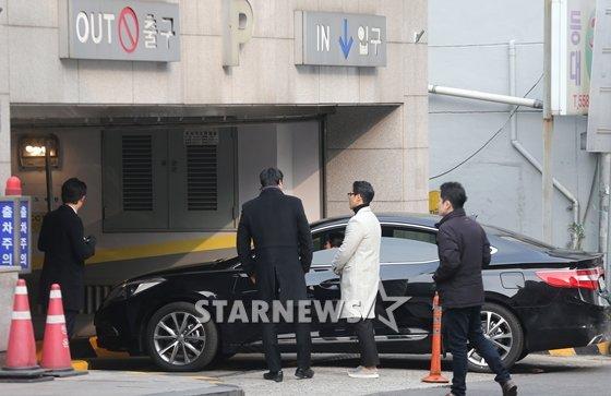 Hé lộ ảnh hiếm hoi trong đám cưới của chàng Rác Jung Woo và Kim Yoo Mi - Ảnh 4.