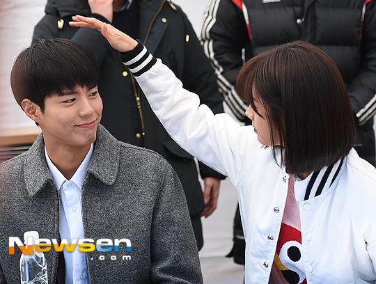 Hyeri thân mật với chồng Park Bo Gum trong sự kiện họp fan Reply 1988 - Ảnh 10.