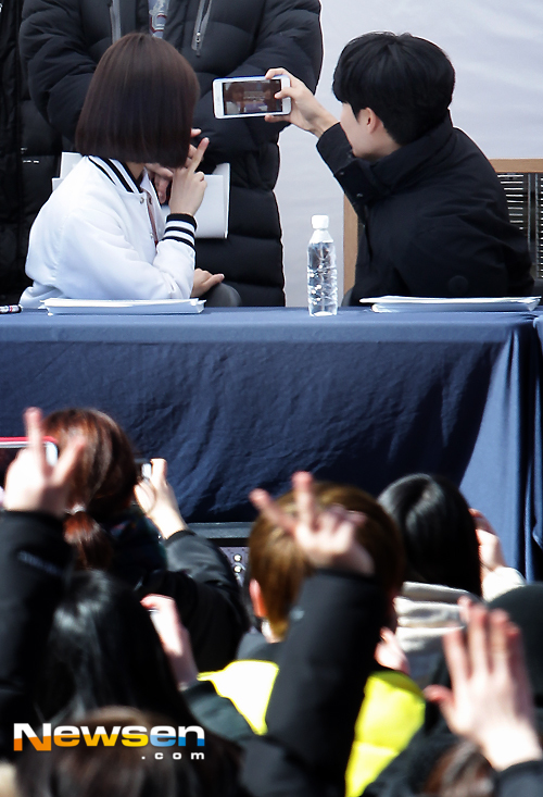 Hyeri thân mật với chồng Park Bo Gum trong sự kiện họp fan Reply 1988 - Ảnh 14.