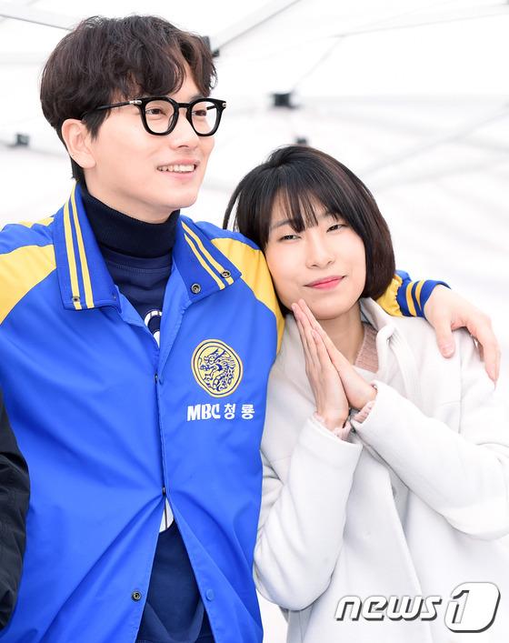 Hyeri thân mật với chồng Park Bo Gum trong sự kiện họp fan Reply 1988 - Ảnh 19.