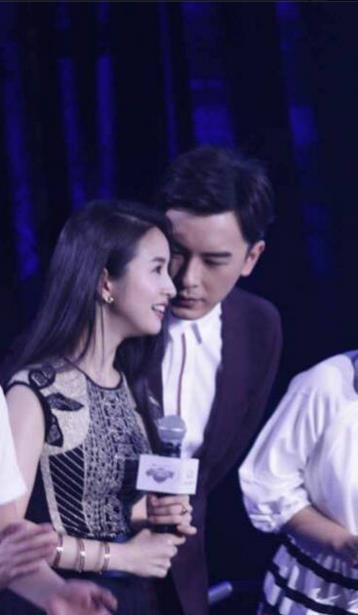 Cặp đôi Thơ ngây Lâm Y Thần - Trịnh Nguyên Sướng thân mật nhân ngày tái hợp - Ảnh 4.