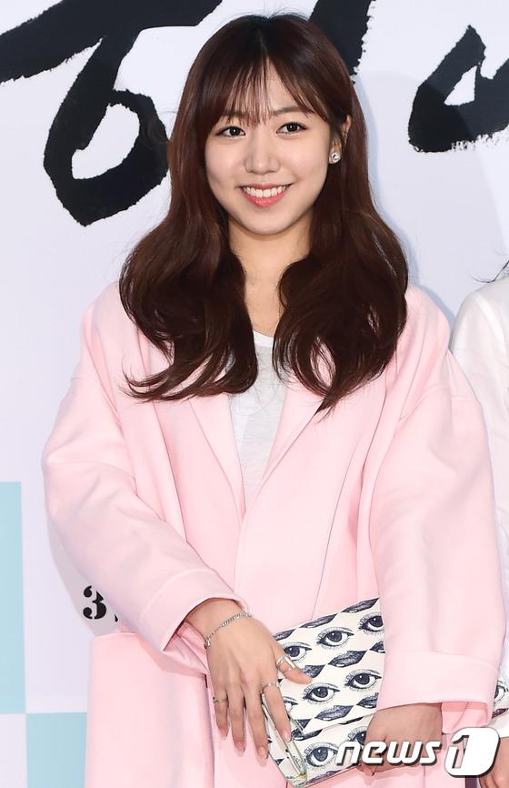 Dara (2NE1) tươi trẻ không kém cạnh đàn em A Pink kém 11 tuổi tại sự kiện - Ảnh 6.