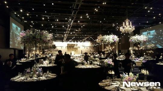 Ngắm loạt ảnh cô dâu Kim Ha Neul đẹp lung linh trong ngày cưới - Ảnh 4.