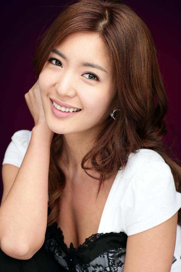 Trai đẹp, gái xinh của làng giải trí châu Á bị mang danh con sâu làm rầu nồi canh - Ảnh 10.