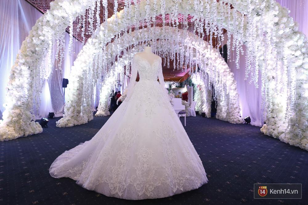 Chiếc váy cưới Trấn Thành đặt riêng cho công chúa nhỏ Hari Won đã được hé lộ! - Ảnh 3.