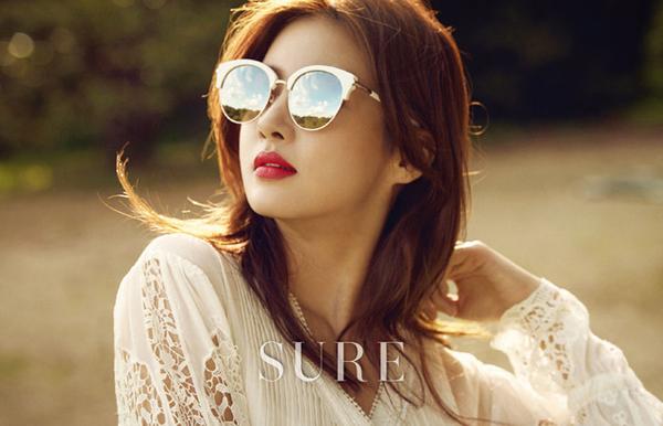 Suzy đã đủ độ chín để đọ độ gợi cảm với đàn chị trên tạp chí - Ảnh 21.