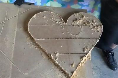 Tạo điểm nhấn trang trí tường với kệ treo tường trái tim sắc màu - Ảnh 5.