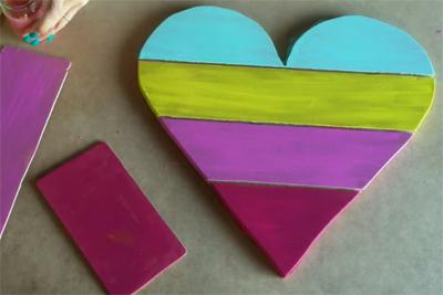 Tạo điểm nhấn trang trí tường với kệ treo tường trái tim sắc màu - Ảnh 7.