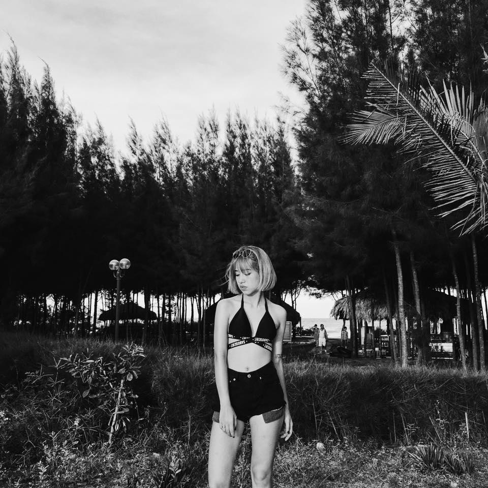 6 cô nàng hot girl Việt đang lăng xê tích cực phong cách gợi cảm - Ảnh 8.
