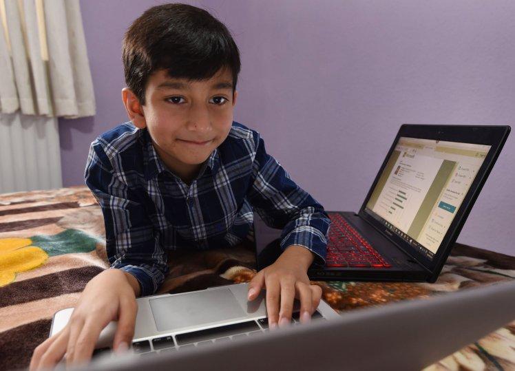 Gặp gỡ thần đồng nhí xinh trai mới 6 tuổi đã trở thành chuyên gia lập trình của Microsoft - Ảnh 1.