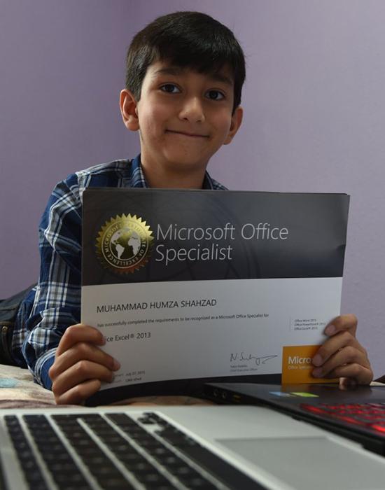 Gặp gỡ thần đồng nhí xinh trai mới 6 tuổi đã trở thành chuyên gia lập trình của Microsoft - Ảnh 2.