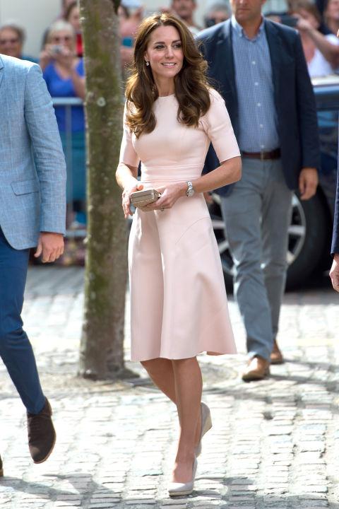 5 tỷ đồng là số tiền công nương Kate đã chi cho cả tủ áo quần của năm 2016, gấp 4 lần năm ngoái! - Ảnh 8.