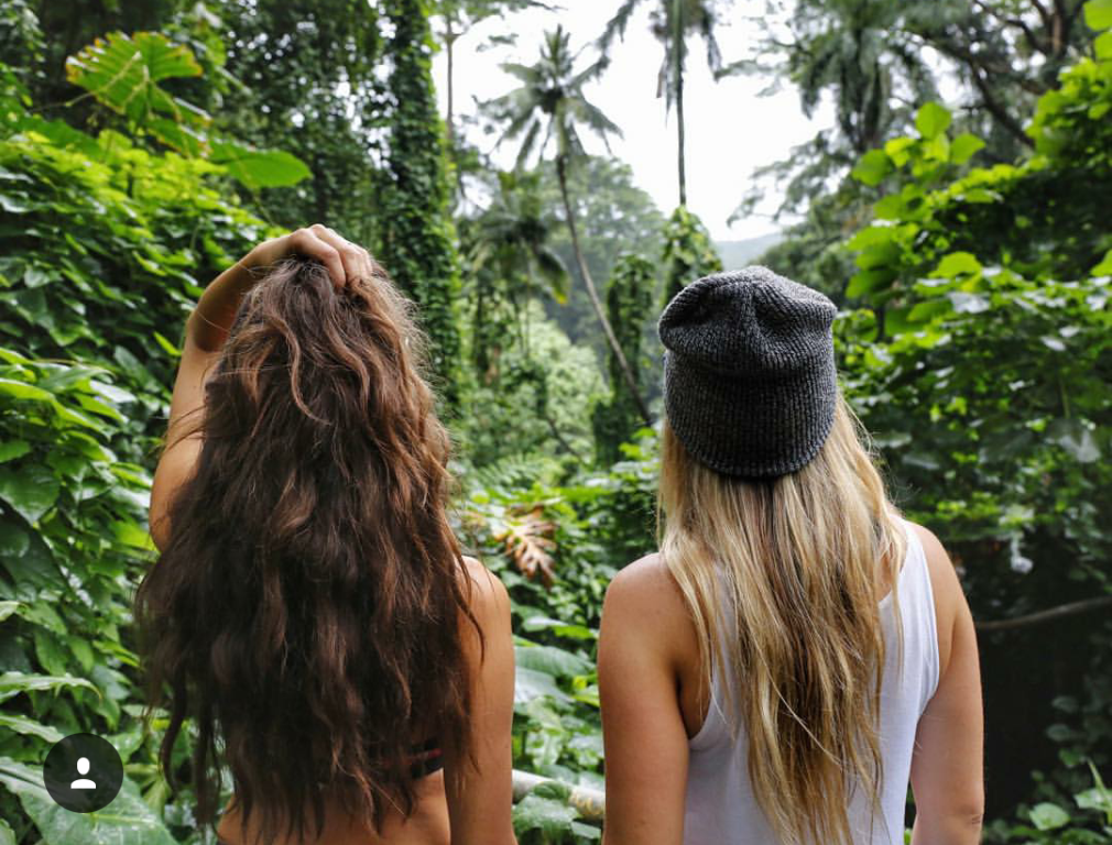 Hai cô gái xinh đẹp mở màn trào lưu đi du lịch cùng bạn gái thân khắp thế giới - Ảnh 10.
