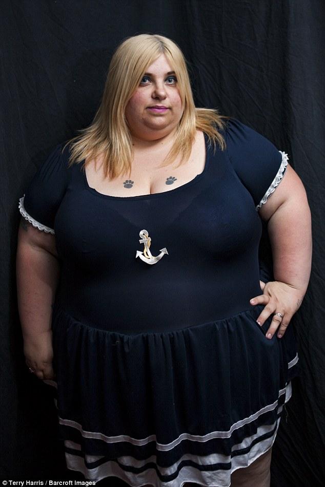 Người mẫu có sở thích ăn uống vô tội vạ để càng béo, càng tốt - Ảnh 3.