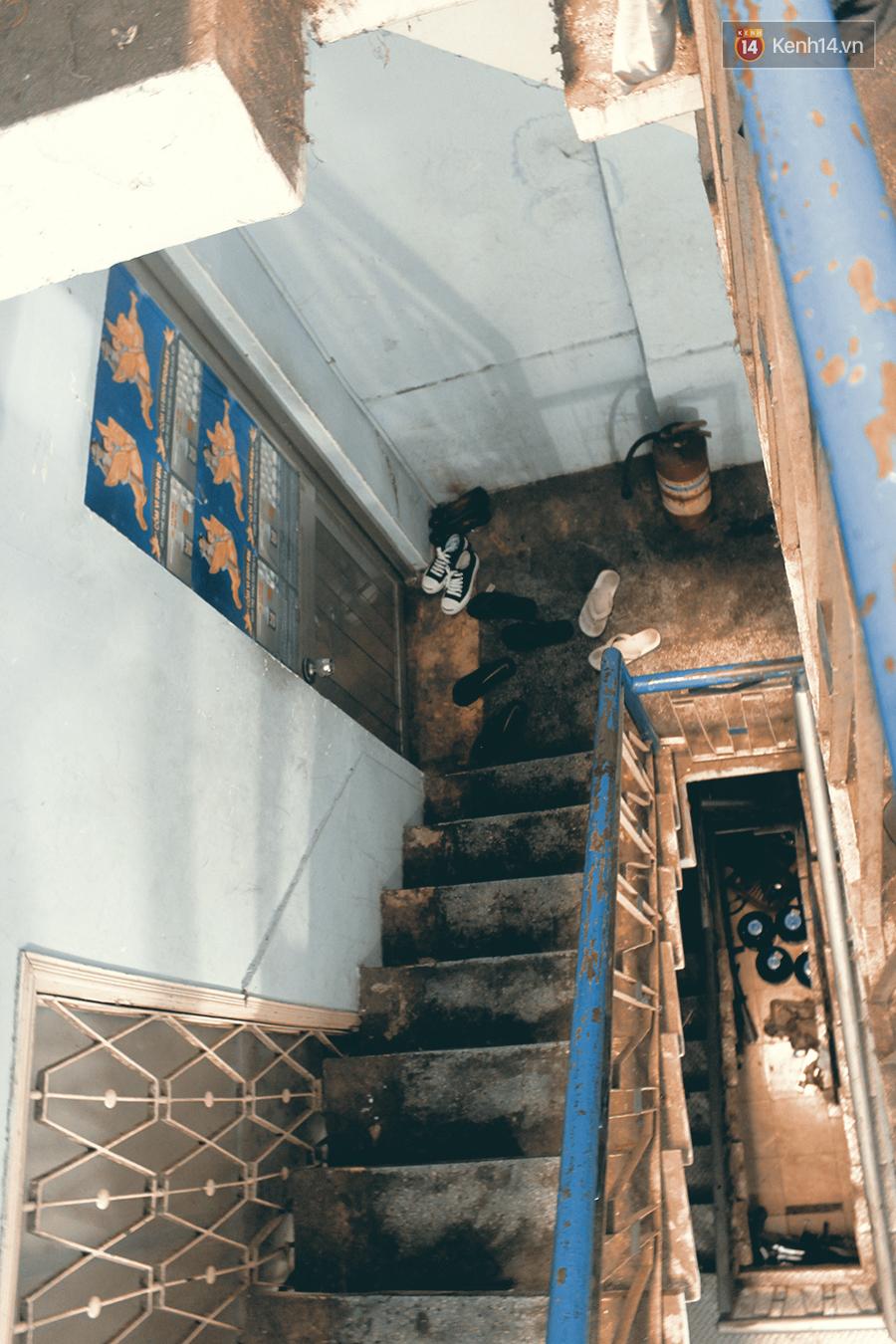 Sài Gòn nóng như đổ lửa, phòng trọ sinh viên biến thành lò luyện đơn - Ảnh 1.