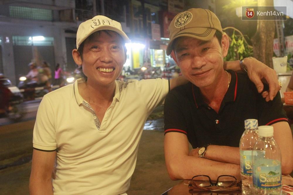 Hai người đàn ông ứa nước mắt chia sẻ về chuyện tình đồng tính gian khó của mình suốt 18 năm qua - Ảnh 10.