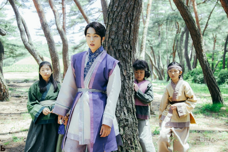 Cặp đôi Tiên Nữ Cử Tạ: Lee Sung Kyung - Nam Joo Hyuk à, đẹp và tài vừa thôi! - Ảnh 14.