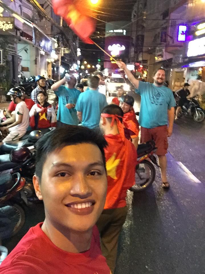 U19 ơi! Triệu trái tim Việt Nam đã có một đêm không ngủ - Ảnh 4.