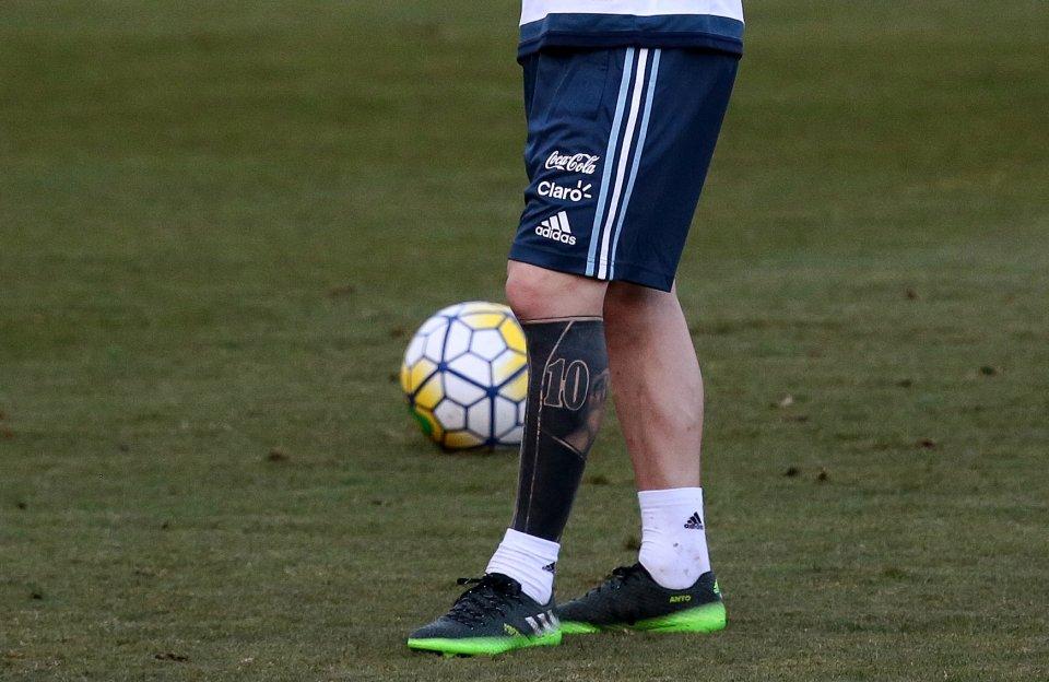 Ý nghĩa những hình xăm trên cơ thể Messi - Ảnh 6.