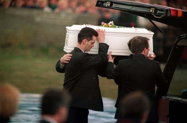 Hai kẻ sát nhân trẻ nhất nước Anh: Vụ bắt cóc, tra tấn và giết hại bé trai 3 tuổi kinh hoàng của thế kỷ - Ảnh 7.