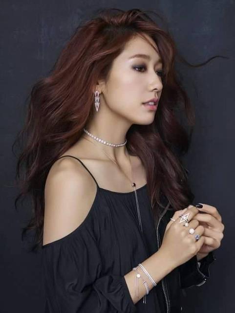 Park Shin Hye xứng đáng là thánh nữ quảng cáo thời trang xứ Hàn - Ảnh 1.