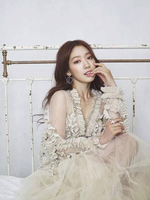 Park Shin Hye xứng đáng là thánh nữ quảng cáo thời trang xứ Hàn - Ảnh 4.