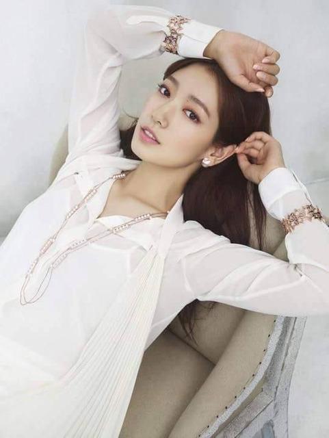 Park Shin Hye xứng đáng là thánh nữ quảng cáo thời trang xứ Hàn - Ảnh 3.