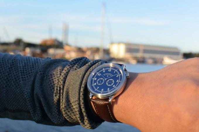 Bộ sưu tập đồng hồ hàng hải dành cho các chàng trai mê phong cách cổ điển lịch lãm - Ảnh 4.