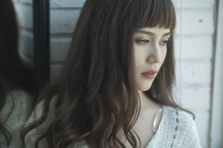 Sĩ Thanh khóc hết nước mắt trong MV do chính mình đạo diễn - Ảnh 1.