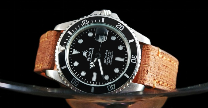 Bộ sưu tập đồng hồ Ý sành điệu với mức giá bình dân đến bất ngờ - Ảnh 2.