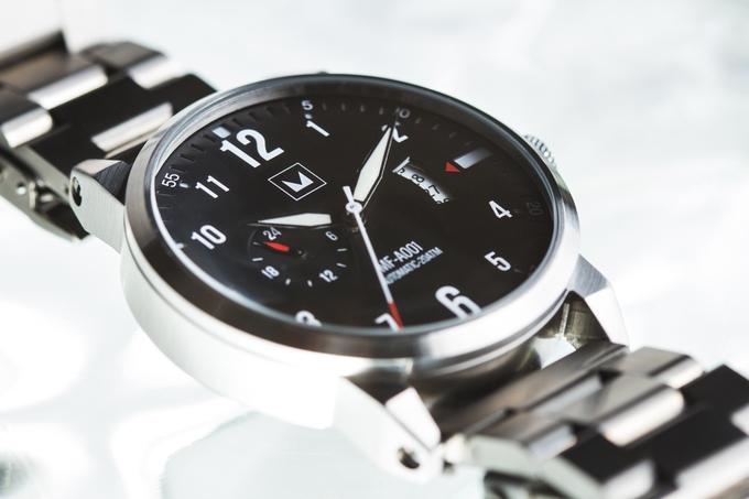 Đồng hồ tự động siêu bền thách thức mọi thử thách - Ảnh 3.