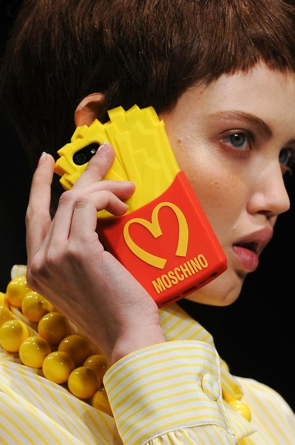 Louis Vuitton khiến tín đồ thời trang phát cuồng vì ốp Iphone sang chảnh - Ảnh 12.