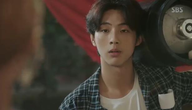 """""""Tình tay ba"""" là xưa rồi, Park Shin Hye trong Doctors sắp vướng vào """"tình tay năm""""! - Ảnh 15."""