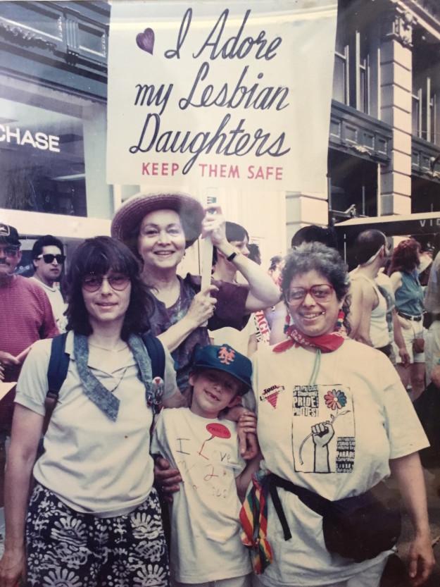 Vì cô con gái đồng tính, có một bà mẹ đã miệt mài hơn 30 năm biểu tình cùng những người LGBT - Ảnh 2.