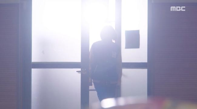 Tiên Nữ Cử Tạ: Không nhịn được nữa, Nam Joo Hyuk nổi giận với Sung Kyung vì bị tình địch lu mờ - Ảnh 4.