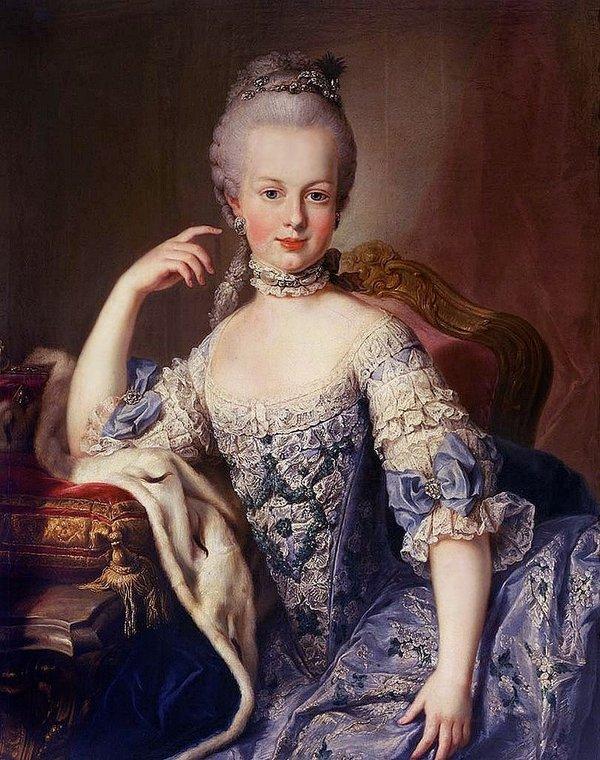 Cuộc đời gây tranh cãi của hoàng hậu xinh đẹp ăn chơi phóng túng, được ngưỡng mộ nhưng cũng bị căm ghét - Ảnh 4.