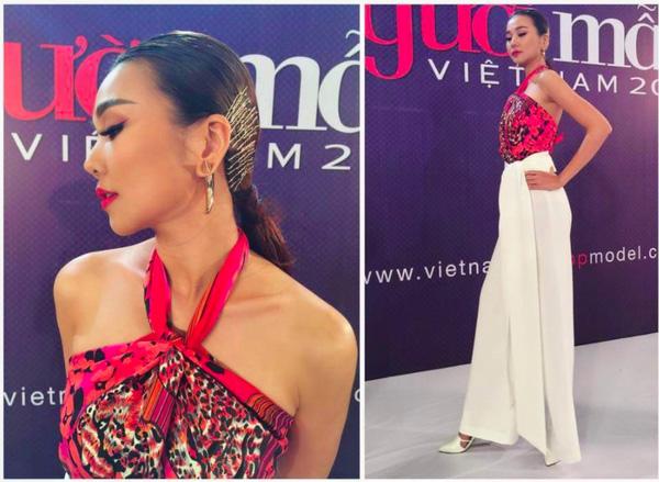Phục sát đất tài biến khăn thành váy áo của sao Việt - Ảnh 4.