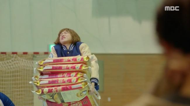 Tiên Nữ Cử Tạ: Không nhịn được nữa, Nam Joo Hyuk nổi giận với Sung Kyung vì bị tình địch lu mờ - Ảnh 6.