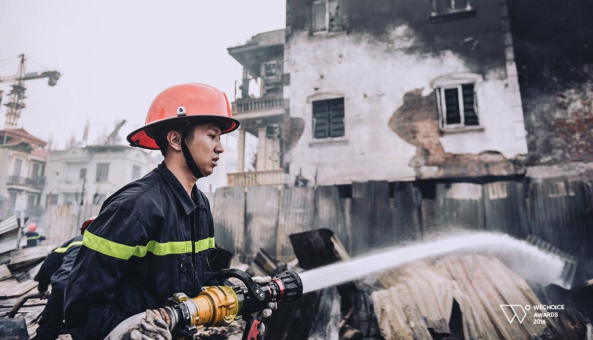 Năm 18 tuổi – Nếu được chọn, bạn có theo nghề lính cứu hỏa như những chàng trai dũng cảm này không? - Ảnh 8.