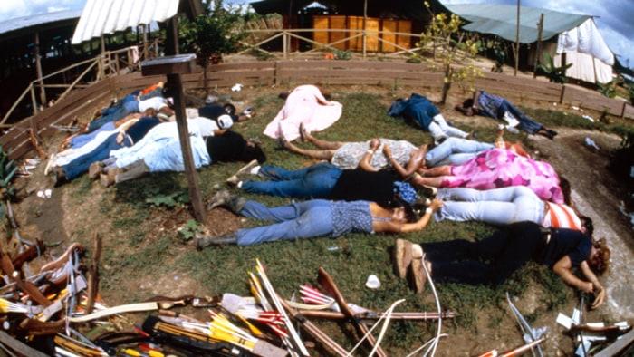 Vụ thảm sát kinh hoàng tại Jonestown: Gần 1,000 người uống thuốc độc, tự sát tập thể - Ảnh 4.